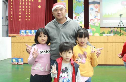 1091217慶祝聖誕節~1_201222_6.jpg