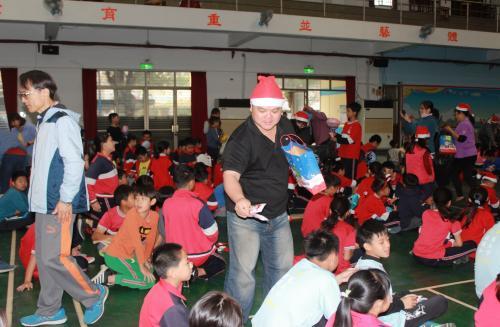 1091217慶祝聖誕節~1_201222_106.jpg