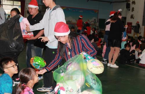1091217慶祝聖誕節~1_201222_109.jpg